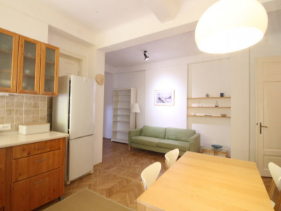 Pta Lahovari, apartament 3 camere, confortabil, mobilat modern, zona verde