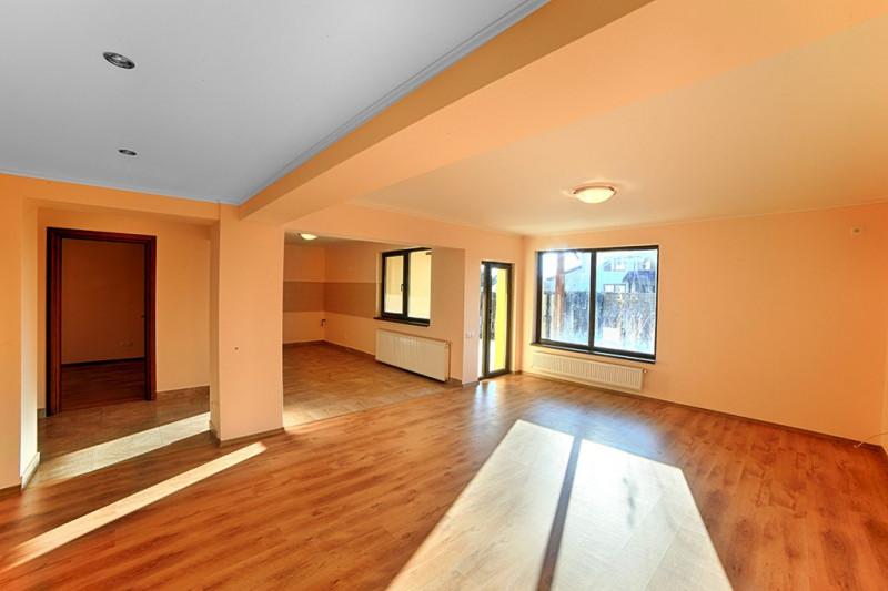 Vanzare vila 7 camere langa padure, Snagov/Complex Astoria