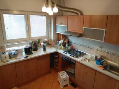 Dr.Taberei, apartament 3 camere, etaj 3/10, decomandat, finisat, partial mobilat