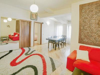 Apartament 5 camere, terasa mare, mobilat modern, garaj, metrou Jiului