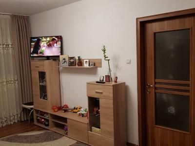 Bdul Al.Obregia, apartament 2 camere, parter inalt, balcon, renovat, zona verde