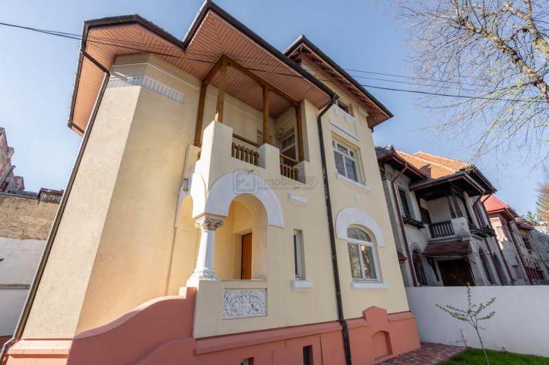 Parcul Kiseleff, vila stil, 7 camere, renovata, garaj, vecinatati selecte
