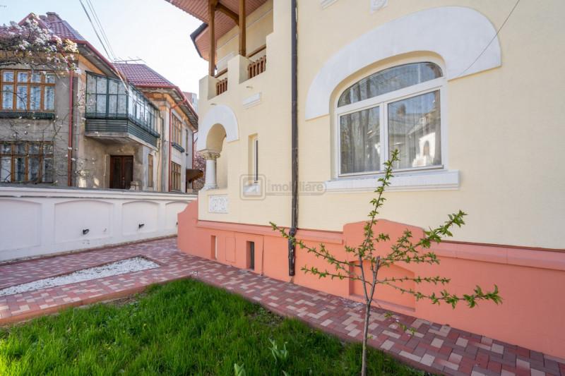 Parcul Kiseleff, vila stil, 8 camere, 300 mp, renovata,teren 340 mp,zona selecta