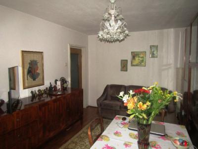 Apartament decomandat  etaj 1/4 ,zona parcului Drumul Taberei
