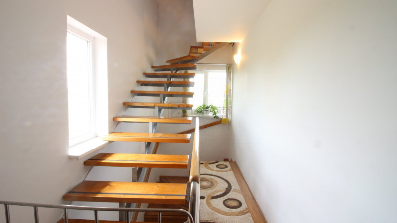 Buftea, vila confortabila, mobilata/ utilata, toate utilitatile, curte amenajata