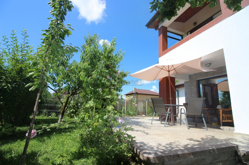 Buftea/ Palatul Stirbey, vila de exceptie, teren 1145 mp, terase, cabana, garaj