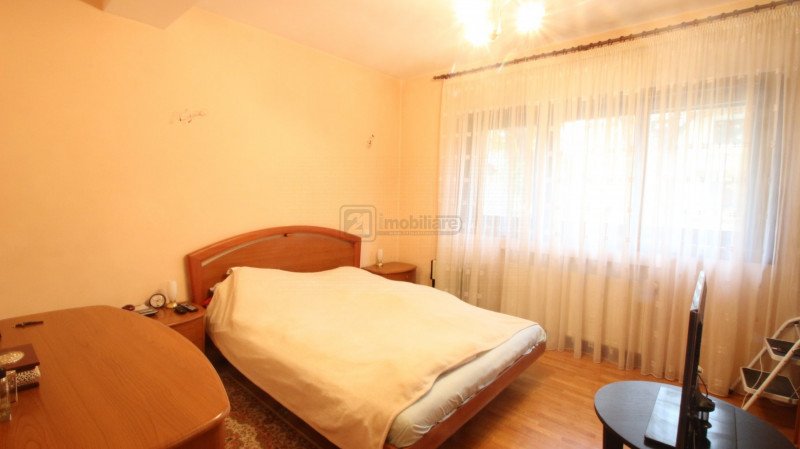 Zona selecta, Domenii/ Casin, vila unifamiliala/ bifamiliala + birou, renovata