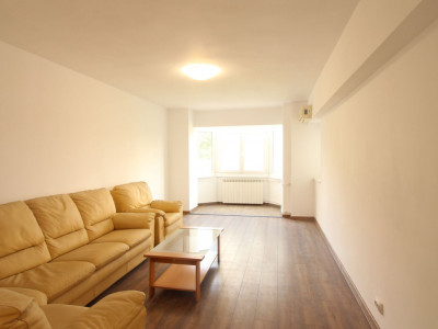 Bulevardul Unirii 73, apartament 2 camere,decomandat,hol locuibil,61mp, etaj 2/8