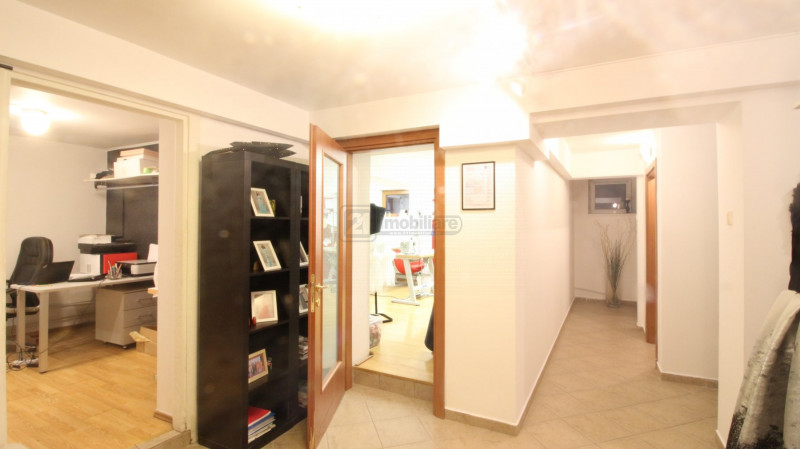 Domenii/ Casin, vila renovata, ideala locuinta/ birou, vecinatati selecte