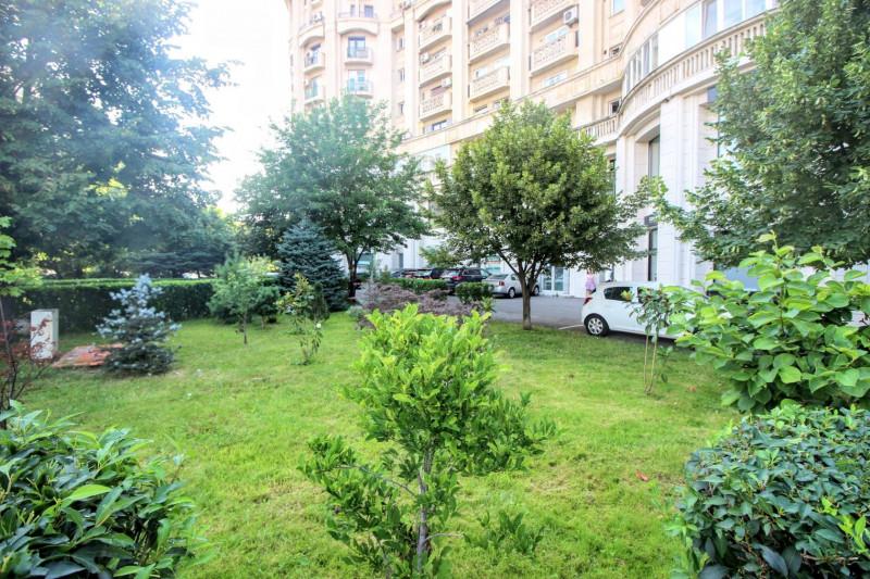 Bd.Libertatii/Palatul Parlamentului, spatiu comercial open space, parter+demisol