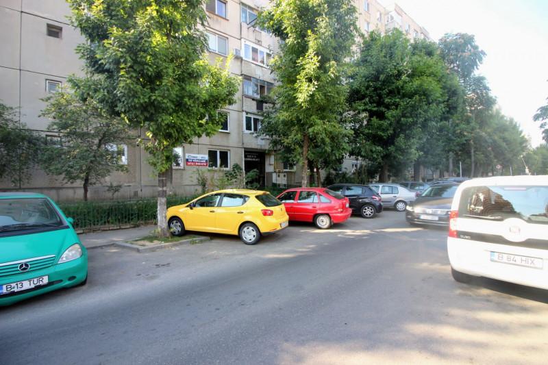 Dumbrava Noua - Parcul Sebastian, 4 camere,86 mp, parter/8, bloc 1986, renovabil