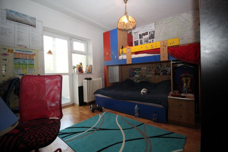 Drumul Taberei Compozitorilor apartament 3camere amenajat ,et.5/10, bloc 1980,