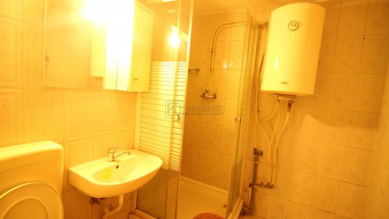 Pta Unirii - Bd.Coposu, apartament 3 camere, decomandat, etaj 3/8,locuinta/birou