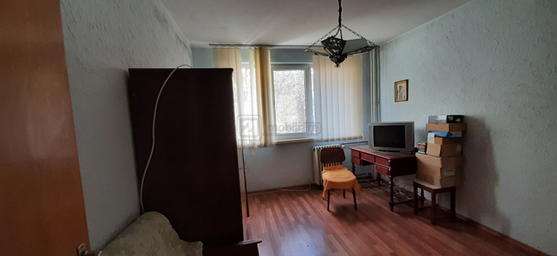 Eroii Revolutiei apartament decomandat etaj 6/7